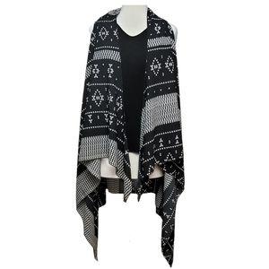 UNKNOWN BRAND Sweater Poncho Sleeveless Tribal